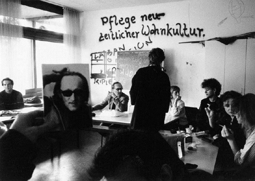 30 Years of the Gießen School (Germany): Bridging Academia ...
